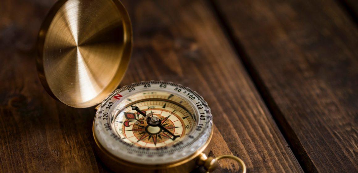 Compass aaron-burden-NXt5PrOb_7U-unsplash