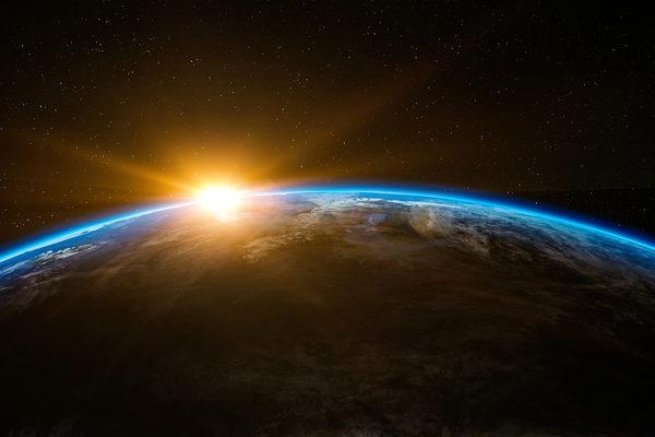 sunrise-over-the-earth_800